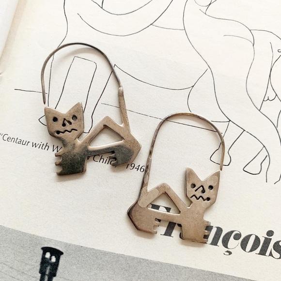 Vintage Jewelry - Vintage Sterling Silver Cat Earrings